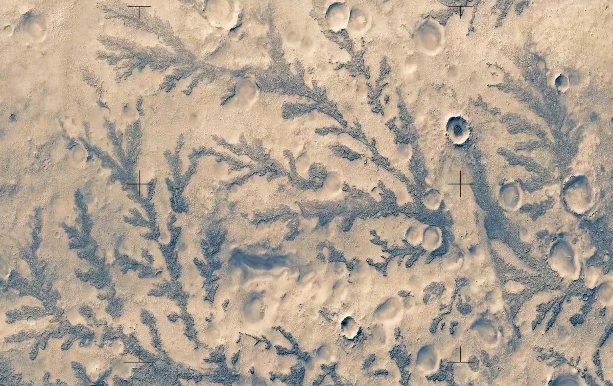 Incredible Overhead Video of Mars
